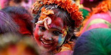 Happy Holi Girl Images