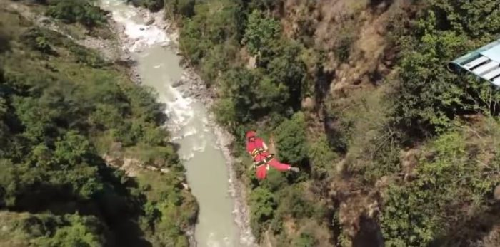 Bungy Jumping in Nepal in Bhote Koshi River