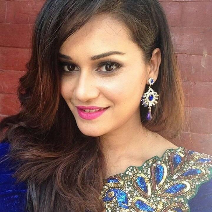 reema bishwokarma - Nepali Girl Lady Image