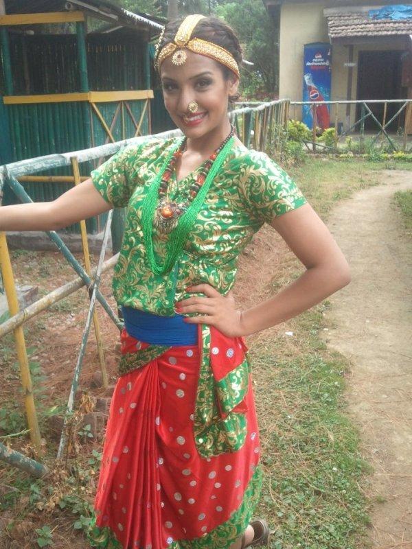 Priyanka Karki Nepali actresses in Nepalese Traditional dresses