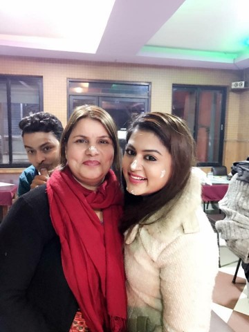 Shilpa pokharel with her mother