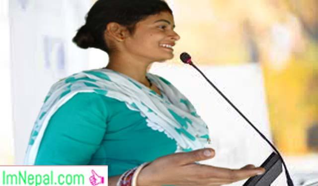 Get a motivational speaker woman speeching